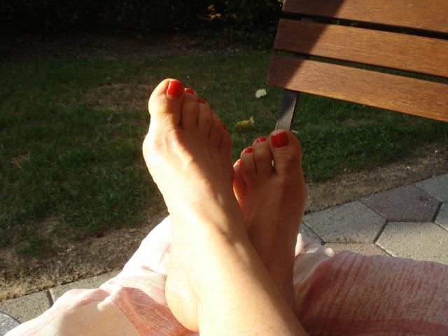 Wie den Sommersprossen auf dem Körper zu entgehen